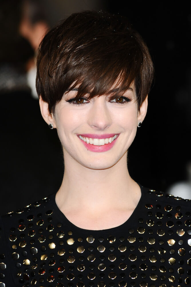 Anne Hathaway arriving for the EE BAFTA Film Awards 2013 at the Royal Opera House, Covent Garden, London.