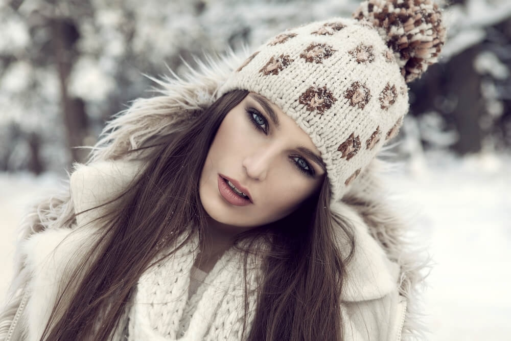 Woman wearing a beanie